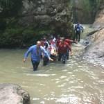 Cae joven en cascada de 40 metros en Sinaloa por tomar fotos