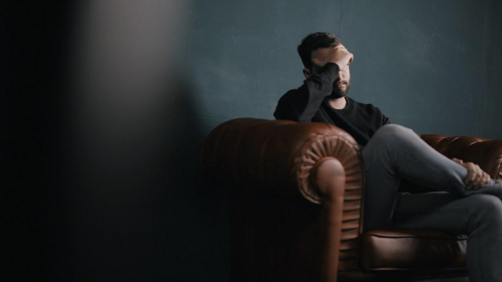 Enfermedad inflamatoria intestinal ocasiona depresión y ansiedad - Los trastornos mentales más frecuentes son la ansiedad y depresión. Foto de Nik Shuliahin / Unsplash