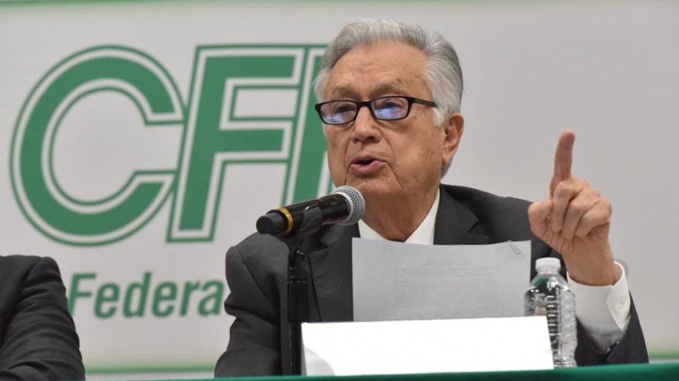 Denuncia Gobierno de Tamaulipas ante FGJ uso de documentos apócrifos por parte de CFE - Manuel Bartlett en conferencia de prensa. Foto de @CFEmx