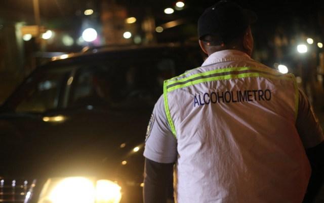 Remiten a 207 conductores al 'torito' durante fiestas patrias en CDMX - Miembro del programa Conduce sin Alcohol. Foto de @SSP_CDMX