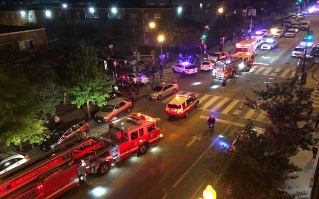Tiroteos en Washington dejan dos muertos y siete heridos - Movilización policiaca y de paramédicos por tiroteo en Columbia Heighs, Washington. Foto de @chriscollison