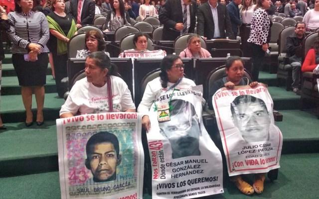 México no es el mismo desde la noche de Iguala: madre de normalista de Ayotzinapa - Padres de los 43 en San Lázaro