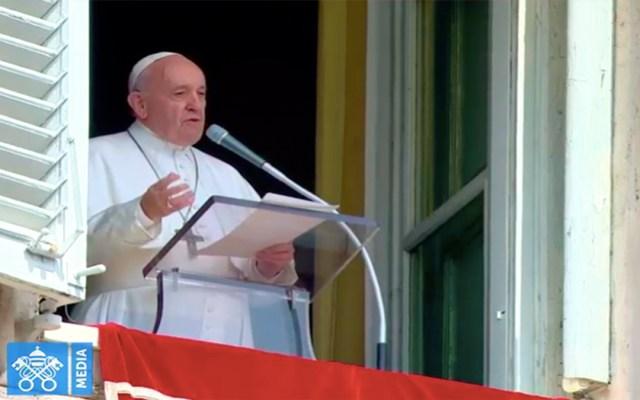 Rescatan al papa Francisco tras quedar atrapado en ascensor - papa francisco ascensor bomberos