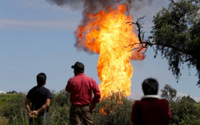 Trabajadores de Pemex controlan toma clandestina; seis resultan heridos - Toma clandestina de gas en Puebla