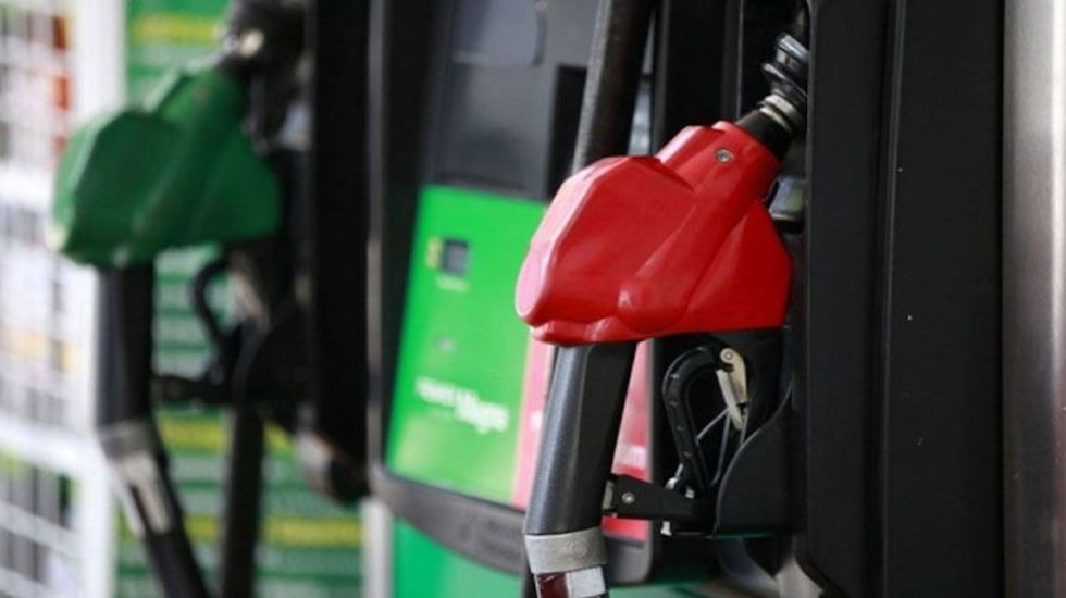 Gasolina no subirá pese a precios del petróleo: Profeco
