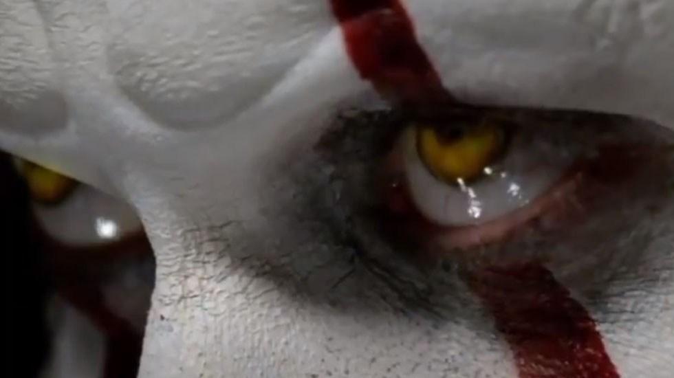 #Video 'It' flota al número uno de la taquilla en cines - Pennywise. Foto de @ITMovieOfficial