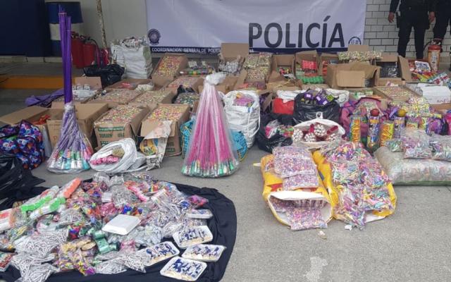 Decomisan más cuatro toneladas de pirotecnia en Tepito y La Merced - Foto de Twitter Jesús Orta