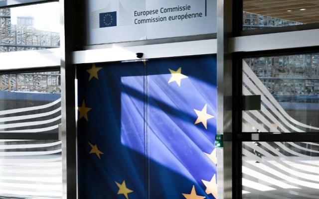 UE destina 10 mde contra crisis humanitaria en Venezuela - Puertas de la Comisión Europea. Foto de @ComisionEuropea