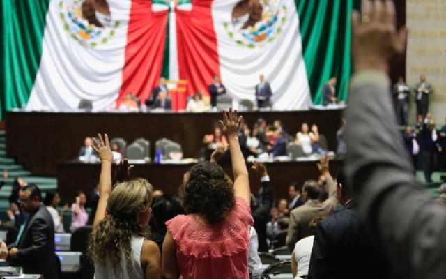 AMLO se pronuncia a favor de reducir número de plurinominales - Sesión de la Cámara de Diputados. Foto de @NoticiaCongreso