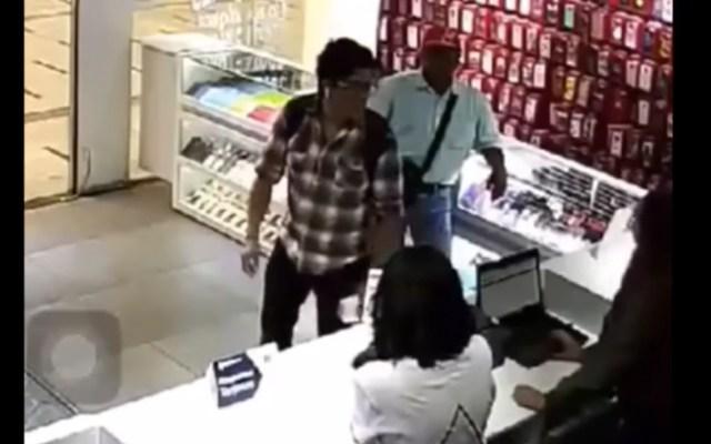 #Video Hombre agrede a empleadas de tienda en el Tren Suburbano - Captura de pantalla