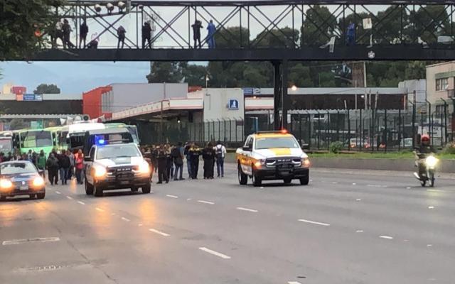 Listos transportistas para movilizaciones desde Metro General Anaya - Foto de López-Dóriga Digital