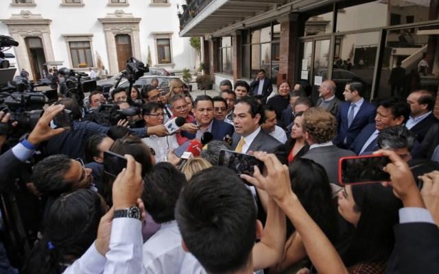 Alcaldes panistas abandonan diálogo en Gobernación - Foto de @EnriqueVargasdV