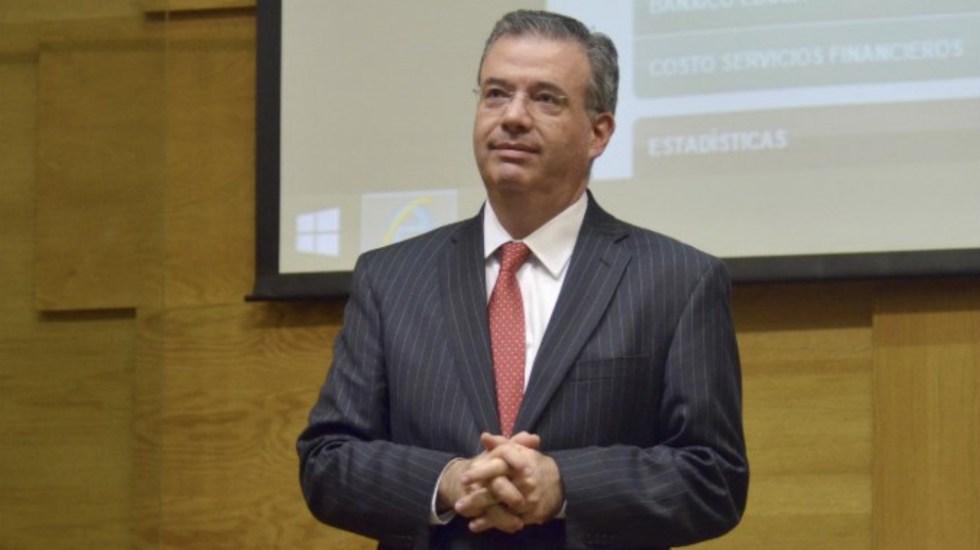 Nombran a Alejandro Díaz de León como Banquero Central del Año 2019 - Foto de Banxico