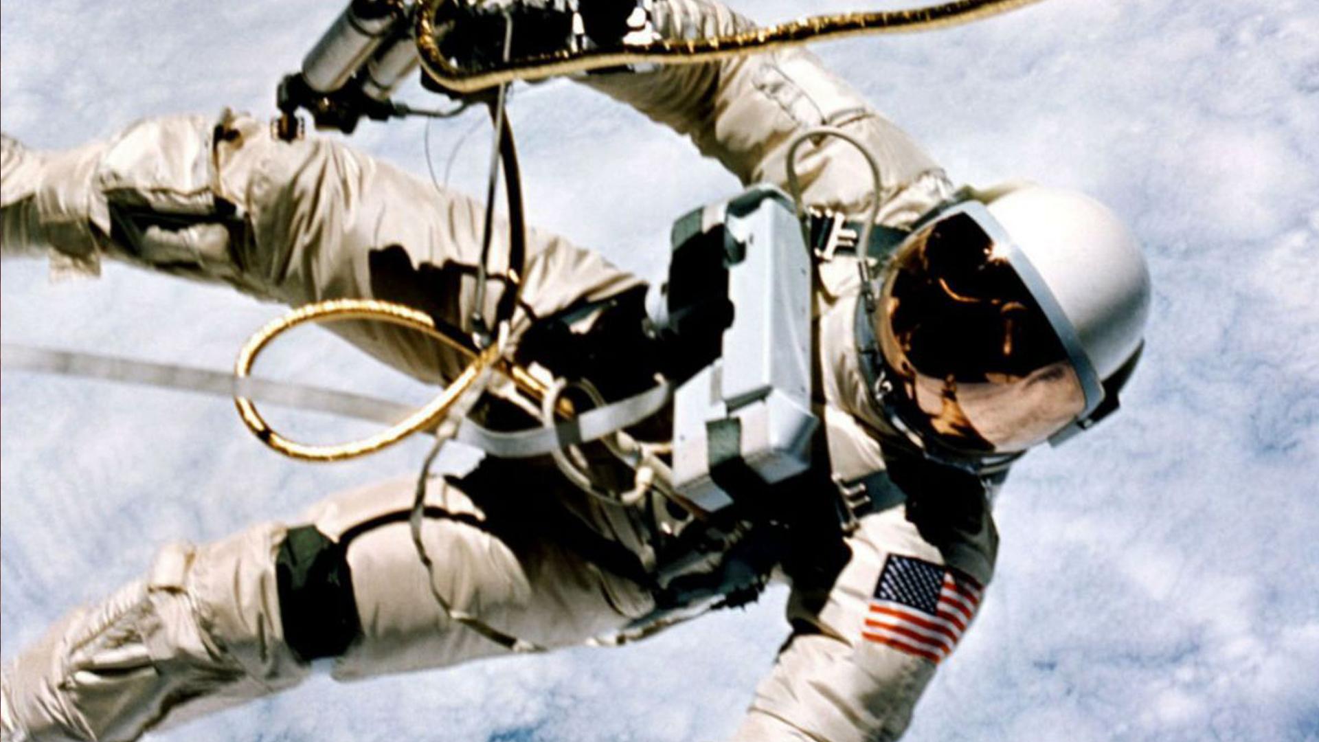 Murió Alexei Leónov el primer hombre en caminar por el espacio — Rusia
