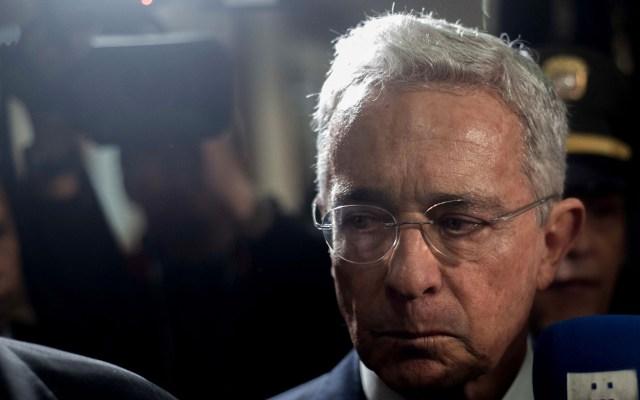Vinculan a proceso a Álvaro Uribe por presunto fraude y soborno - Álvaro Uribe en Corte Suprema de Justicia de Colombia. Foto de EFE