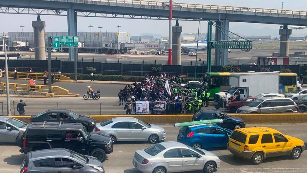 López Obrador ordenará investigación por corrupción en la Policía Federal - policías federales