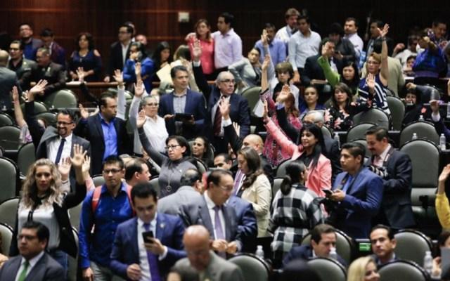 Aprueban y remiten al Senado Ley Federal de Derechos y Miscelánea Fiscal - Cámara de Diputados