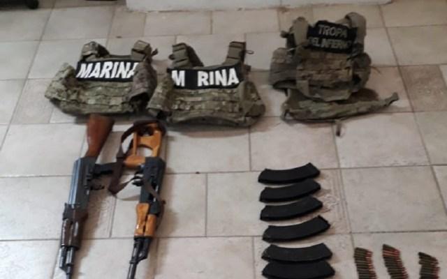 Aseguran armamento a 'Tropa del Infierno' en Tamaulipas - Chalecos, armas y cargadores asegurados. Foto Especial
