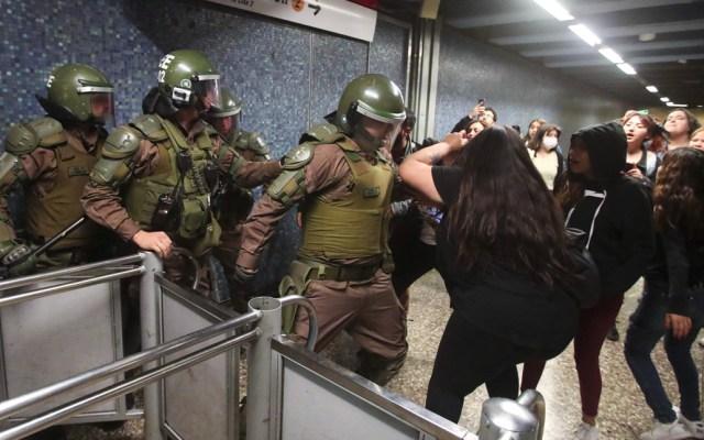Ejército decreta toque de queda en Santiago de Chile por disturbios - Disturbios en Chile