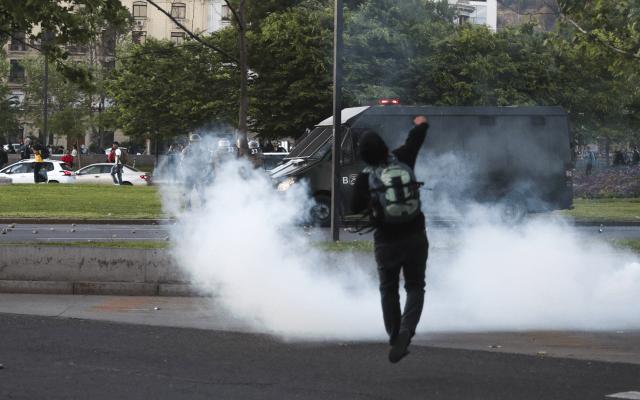 Gobierno de Chile decreta estado de emergencia en Santiago por protestas - chile