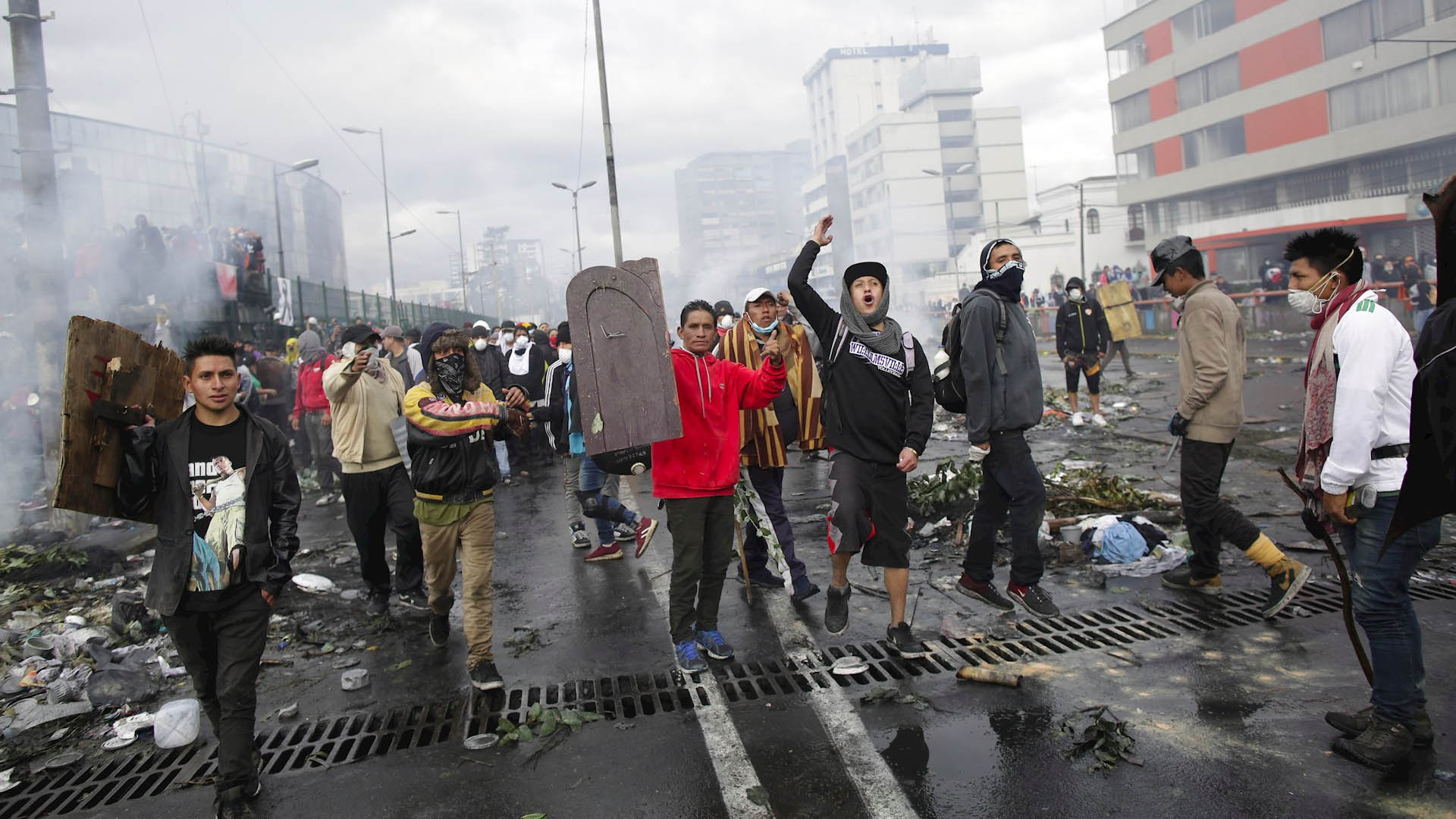 Ecuador protestas toque de queda
