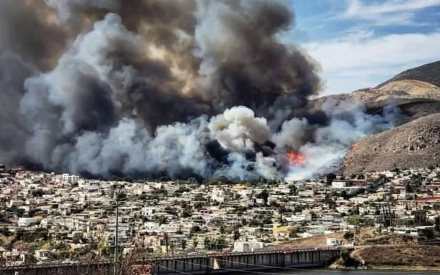 Incendio en Ensenada deja un muerto y 25 casas afectadas - Foto de @EForestales