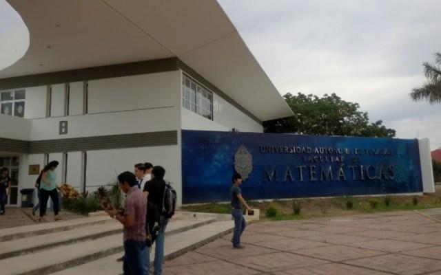 Suspenden clases en Autónoma de Yucatán por amenaza de tiroteo - Entrada de la Facultad de Matemáticas de la Autónoma de Yucatán. Foto de Google Maps / Antonia Yepez