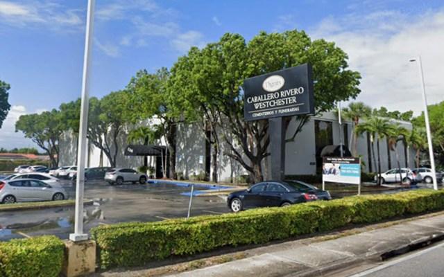 Preparan restos de José José para velorio en Miami - funeraria jose jose