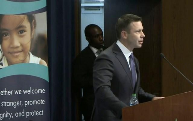Impiden discurso de secretario Seguridad Interior de EE.UU. sobre migrantes - Impiden discurso de secretario Seguridad Interior de EE.UU. sobre migrantes