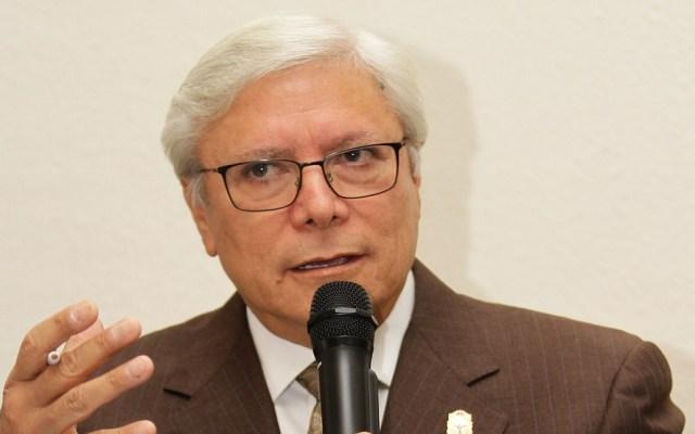 Bonilla se compromete a aceptar fallo de SCJN sobre periodo de mandato en BC - Jaime Bonilla en conferencia en la CDMX. Foto de Notimex
