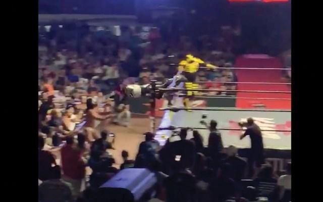 #Video Operan a La Parka tras accidente en Arena Coliseo de Monterrey - Captura de pantalla