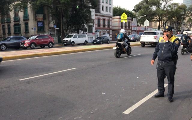 Padres de familia liberan Av. Chapultepec - Liberación de Av. Chapultepec. Foto de @i_alaniis