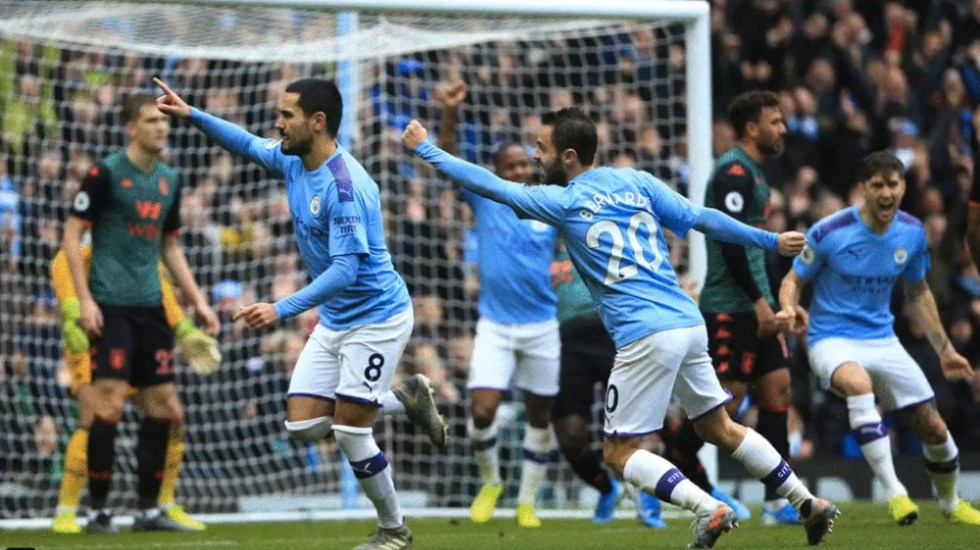 Manchester City golea 3-0 al Aston Villa - golea 3-0 al Aston Villa y recupera la segunmda plaza en la Premier