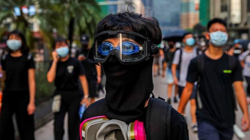 Jóvenes y ancianos realizan manifestaciones no autorizadas en Hong Kong - manifestaciones hong kong