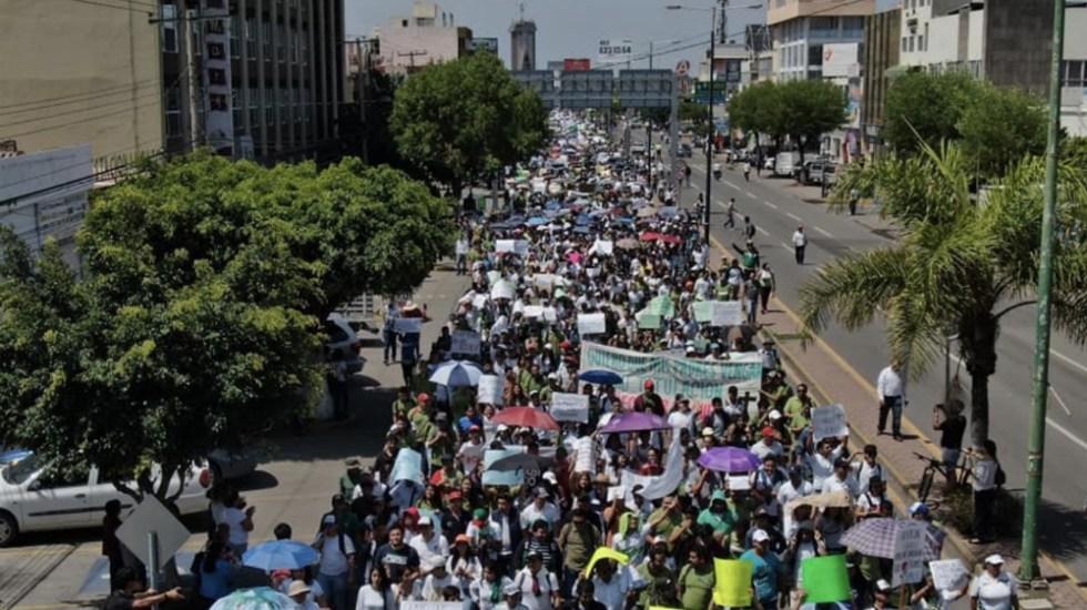 En Celaya marchan por la paz y seguridad tras muerte de estudiante - Foto de @Okrr
