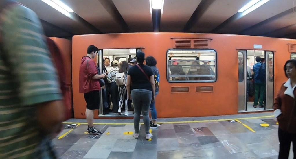 Mujer lanza gas pimienta contra usuaria y sus hijos en Metro Hidalgo - Foto de Luna JTR
