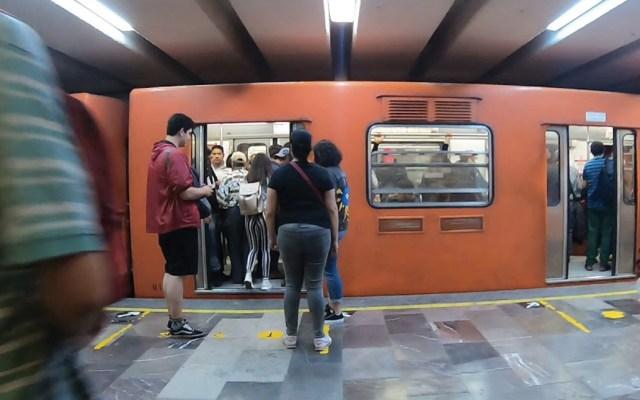 Detienen a hombre por portar arma de fuego en el Metro - Foto de Luna JTR