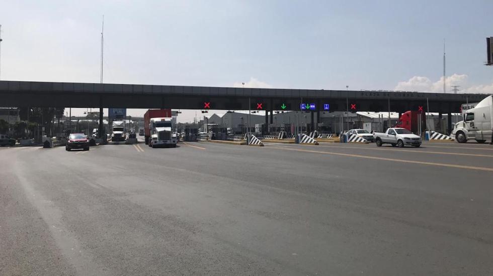 Liberan recicladores autopistas del Valle de México - El bloqueo en la México-Querétaro. Foto de @GN_Carreteras