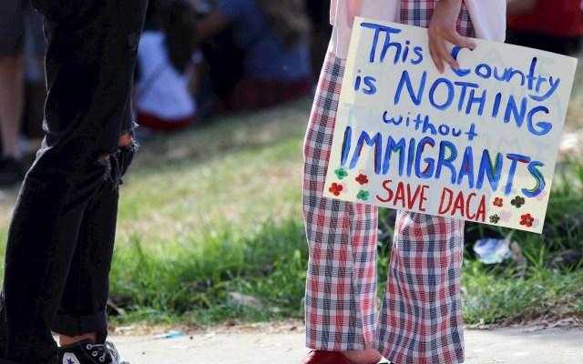 Piden a gobernadora de Nuevo México no compartir información de migrantes - Migrantes en Estados Unidos migración