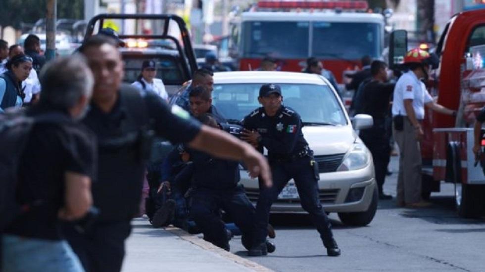 Movilización policiaca por toma de rehenes en banco de Pachuca. Foto de Independiente de Hidalgo