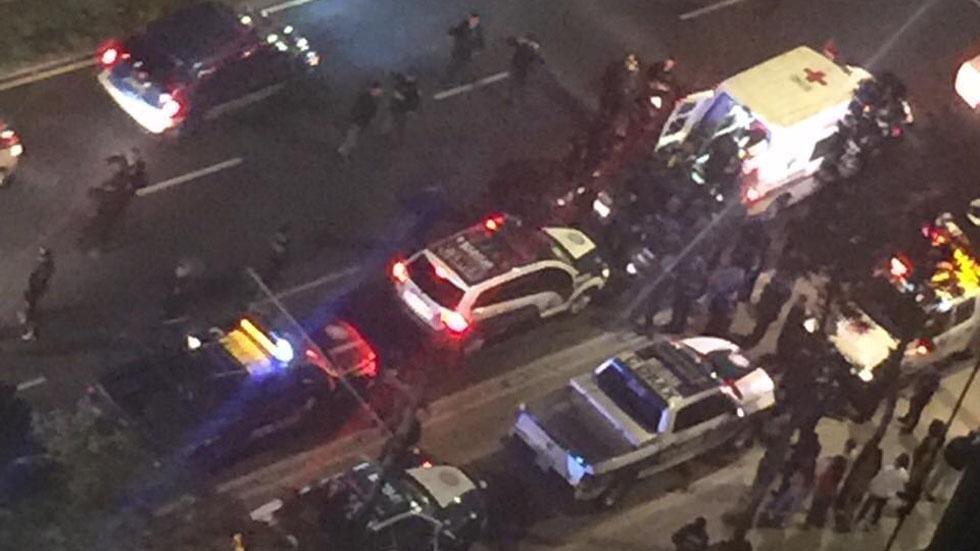 Movilización policiaca y de ambulancias por intento de asalto en Tlatelolco. Foto de @TlatelolcoTV