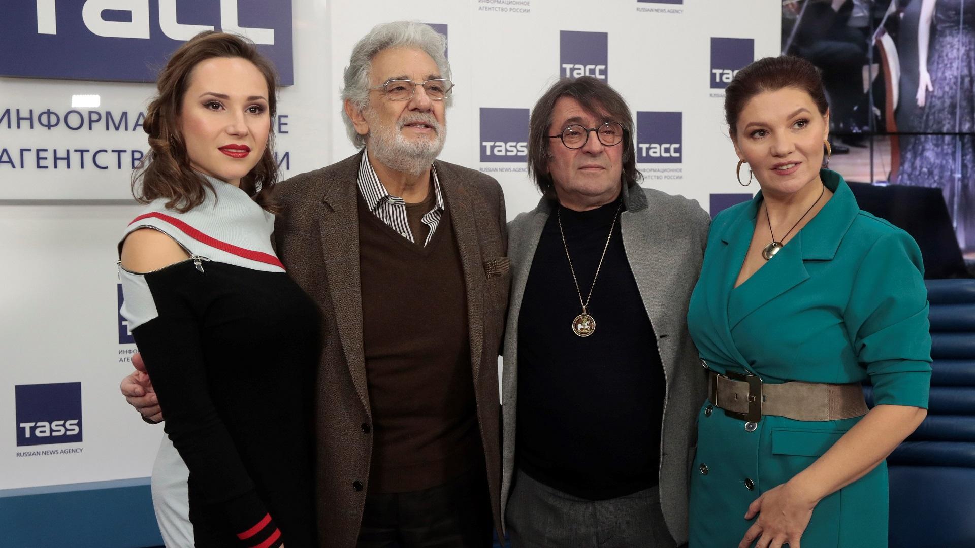 Plácido Domingo tras conferencia de prensa en Rusia. Foto de EFE