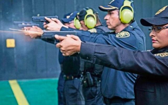 Mujer policía recibe disparo en el abdomen durante práctica de tiro - Práctica de tiro