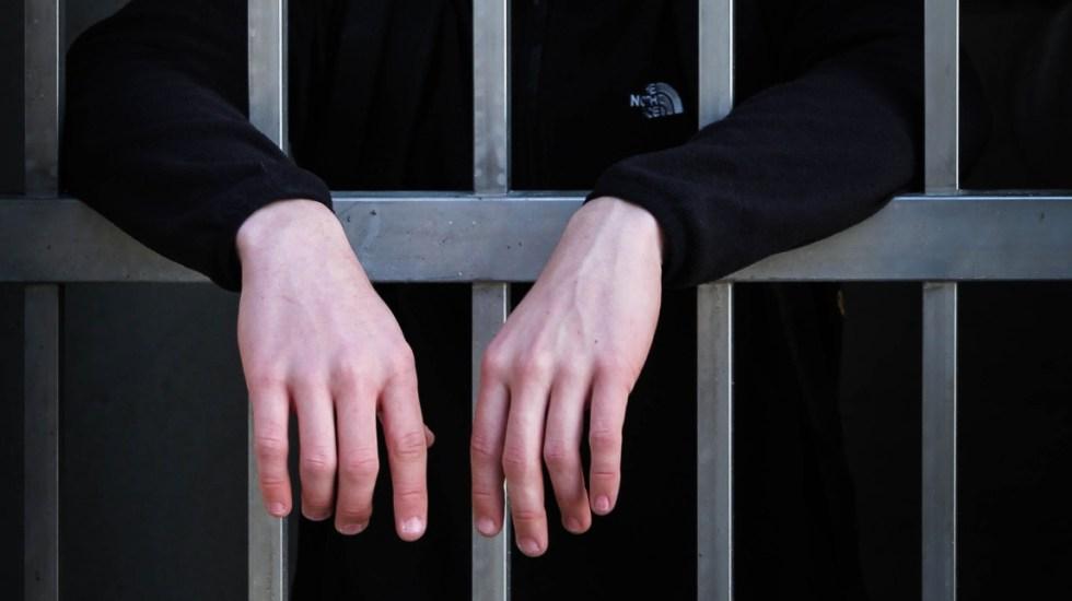 Detienen a sujeto acusado de violar a su sobrino en Toluca - Prisión cárcel encarcelado