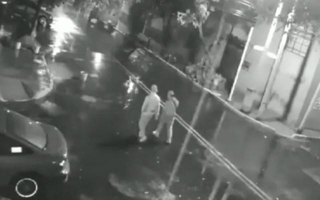 #Video Despojan con violencia a pareja de su auto en Iztacalco - Roban auto en Iztacalco