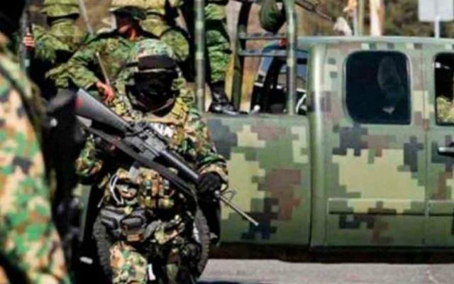 Ejército asegura 551 litros de metanfetamina en Sonora - Soldado. Foto de Sedena