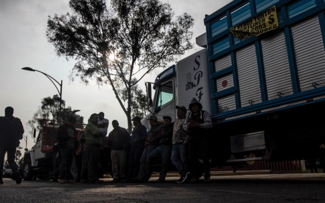 Transportistas dialogan con autoridades de Querétaro - Foto de Notimex