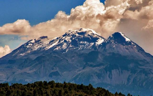 CNPC desmiente reactivación del volcán Iztaccíhuatl - Volcán Iztaccíhuatl. Foto de Semarnat