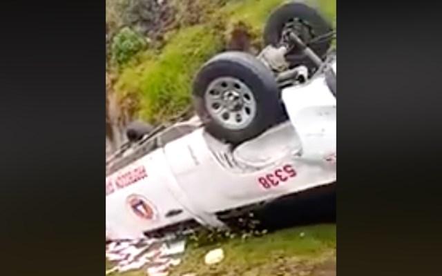 Bomberos de Ixtapaluca vuelcan sobre la México-Cuautla - Vuelca camioneta de PC. Captura de pantalla