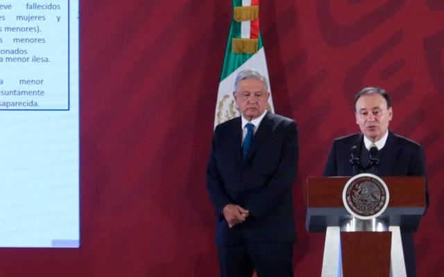 """AMLO afirma que ve """"fortachón y con ánimo"""" a Durazo tras operativo en Culiacán - Andrés Manuel López Obrador y Alfonso Durazo. Foto de EFE/Sáshenka Gutiérrez."""